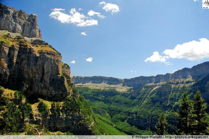 Canyon d'Ordesa, Parc National - Nuit à Gabas, France (trekking Les Pyrénées : Cirques et Canyons du Mont Perdu, patrimoine mondial de l'humanité). Espagne, Aragon, Huesca