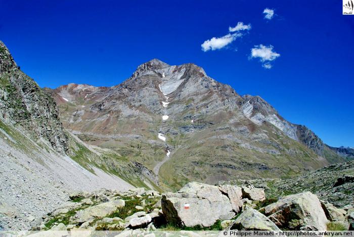 Pic de Cerbillona, massif du Vignemale (Pyrénées, Espagne)