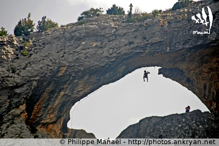 Arche naturelle Le Dauphin, canyon du Mascún (Sierra de Guara, Espagne)