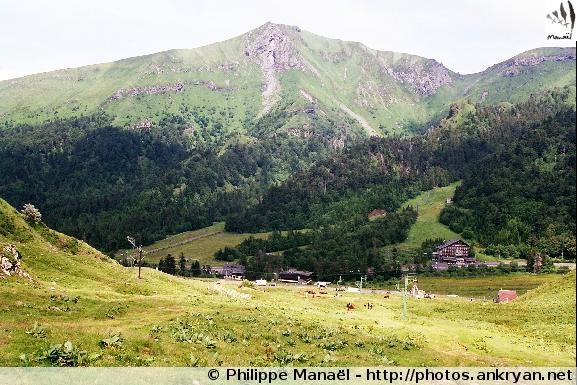 Vallée de la Haute Dordogne, station du Mont-Dore au pied du Sancy (Auvergne, France)