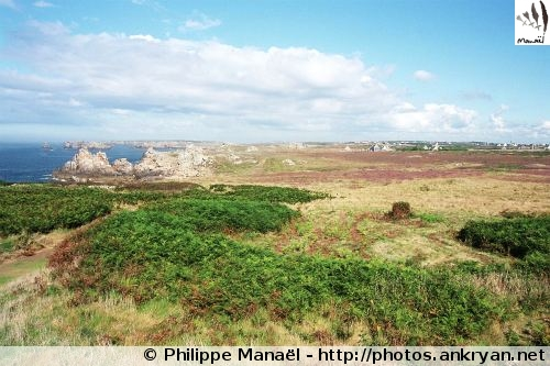 Ouessant, circuit au Nord-Ouest (trekking Tour de l'île d'Ouessant). France, Bretagne, Finistère