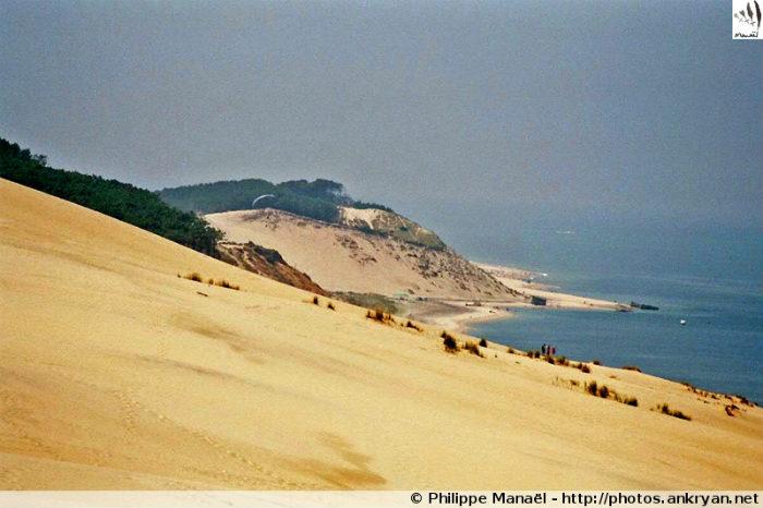 Pyla-sur-Mer - Ascension de la Dune du Pilat (trekking Traversée des Landes). France, Aquitaine, Gironde