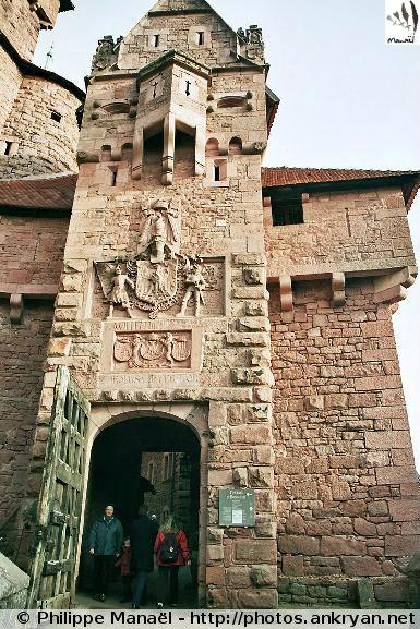 Visite du Château du Haut-Koenigsbourg (trekking Réveillon de l'an : Alsace Médiévale). France, Alsace, Haut-Rhin