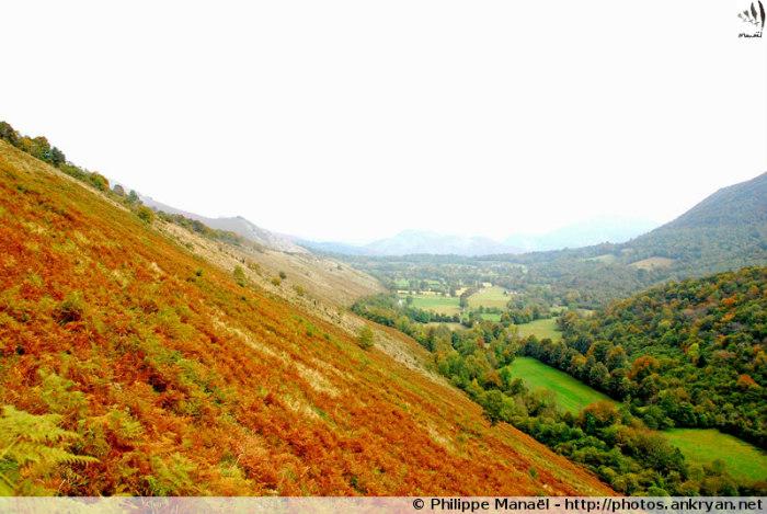Lourdes - Aucun (trekking Les Pyrénées : en route pour les étoiles). France, Midi-Pyrénées, Hautes-Pyrénées