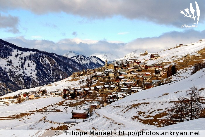 Village de Saint-Véran (massif du Queyras, Hautes-Alpes, France)