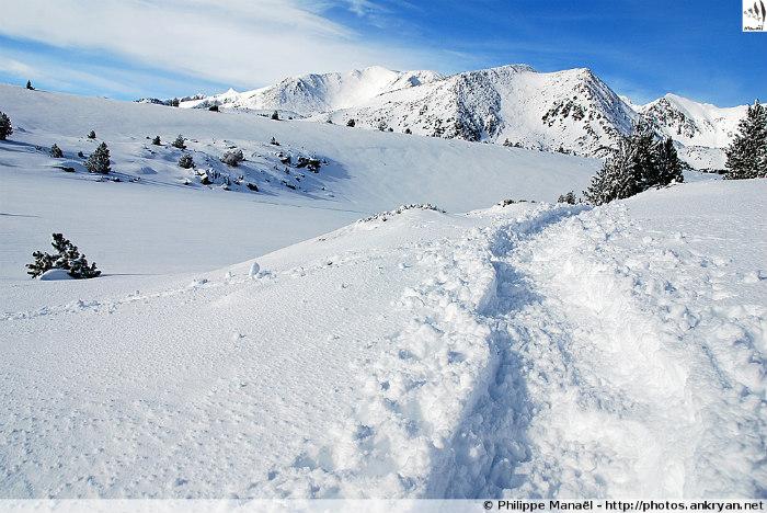 Nouvel an aux Bouillouses, petit Canada des Pyrénées (trekking). France, Languedoc-Roussillon, Pyrénées-Orientales