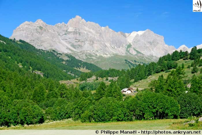 Paysage de la Haute vallée de la Clarée (Névache, Hautes-Alpes, France)