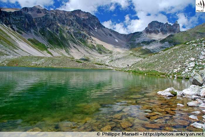 Lac du Peyron, au-dessus des Granges de la Vallée Étroite (2453 m - Hautes-Alpes, France)