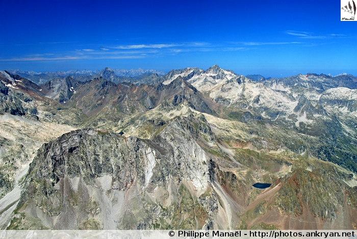 Chaîne des Pyrénées (Massif du Vignemale, Pyrénées, France)