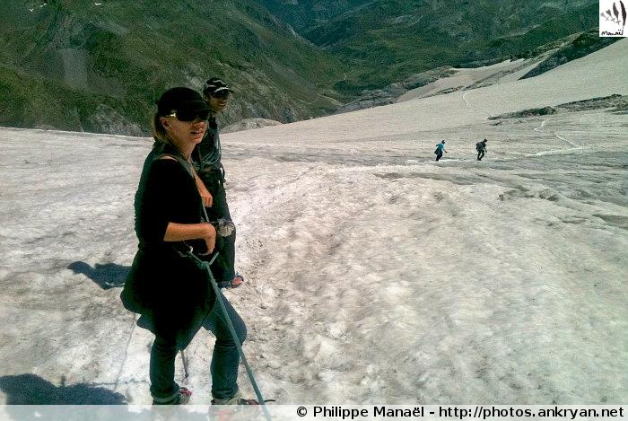 Descente sur le glacier d'Ossoue (Massif du Vignemale, Pyrénées, France)