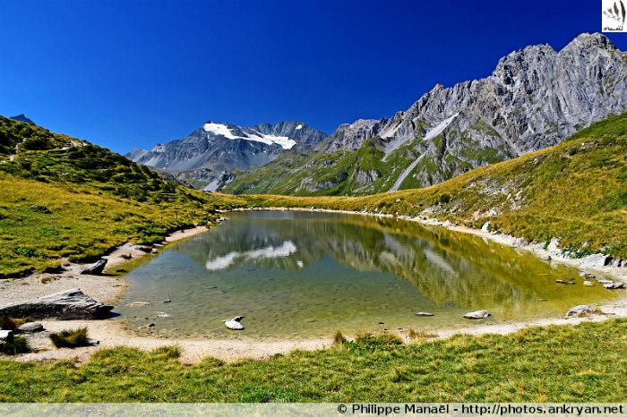 Lac du Chalet Clou, vallée de Chavière (Savoie, France)