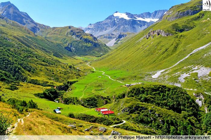 Refuge de la Valette - Montaimont - Refuge de Péclet-Polset (2474 m) (trekking Les Balcons de la Vanoise). France, Rhône-Alpes, Savoie