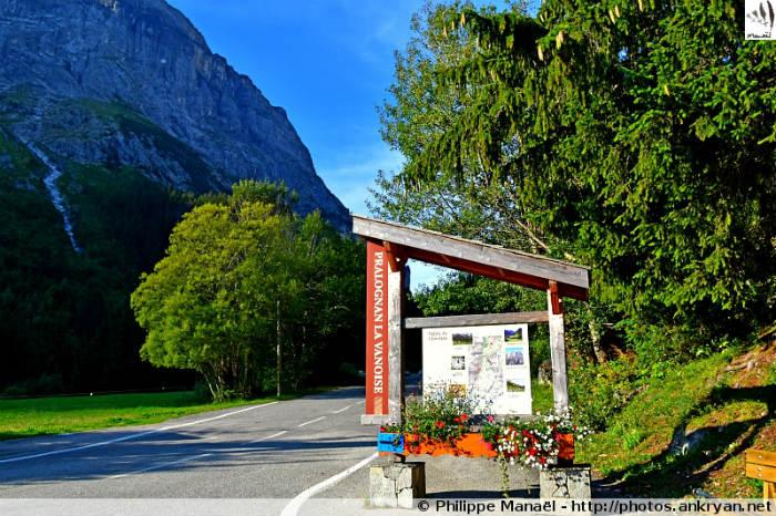 Entrée de la vallée de Chavière, Pralognan-la-Vanoise (Savoie, France)