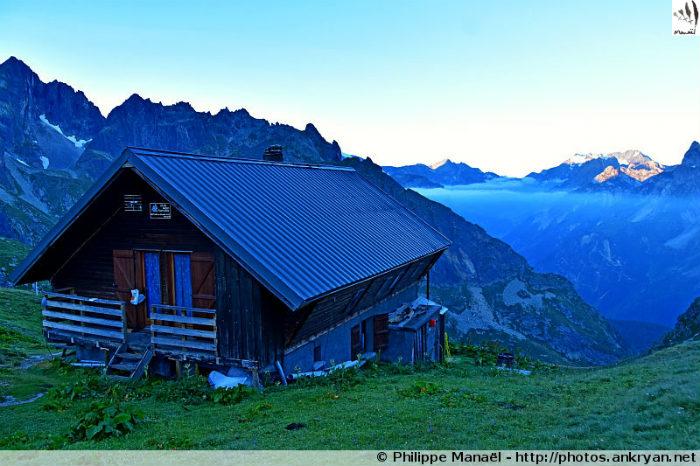 Soleil levant depuis le refuge du Grand Bec (Le Planay, Savoie, France)