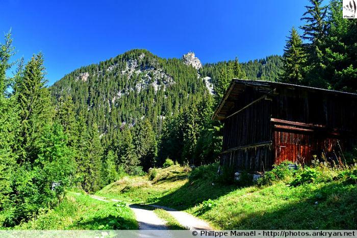 Sentier de la Tour du Merle, Le Planay - lieu-dit Ballandaz (Savoie, France)