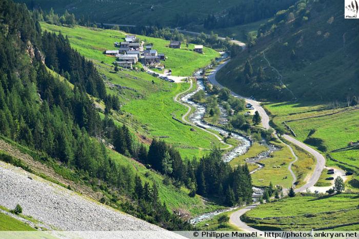 Hameau des Prioux, vallée de Chavière, massif de la Vanoise (Savoie, France)