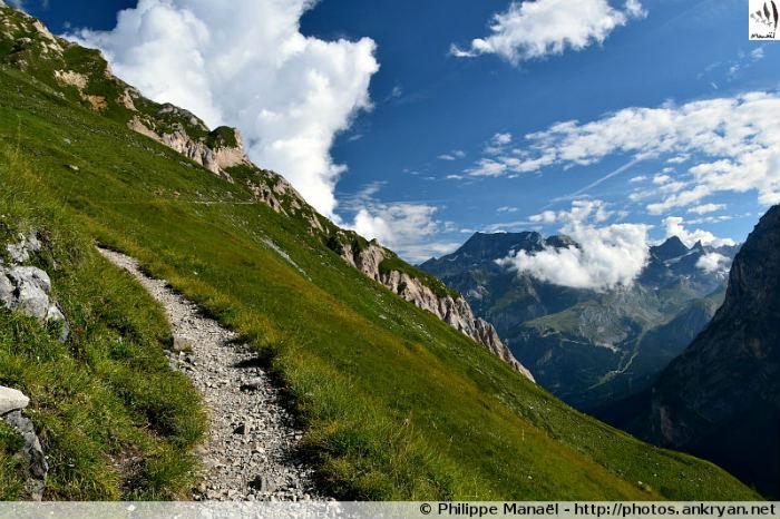 Sur le sentier Le Sécheron, vallée de Chavière (Savoie, France)
