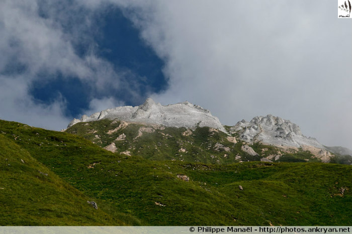 Ascension du Petit Mont Blanc (trekking Les Hauts de la Vanoise). France, Rhône-Alpes, Savoie