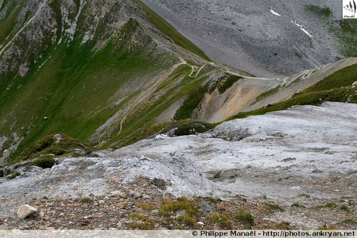 En amont du col du Mône, Petit Mont Blanc (Vanoise, Savoie, France)