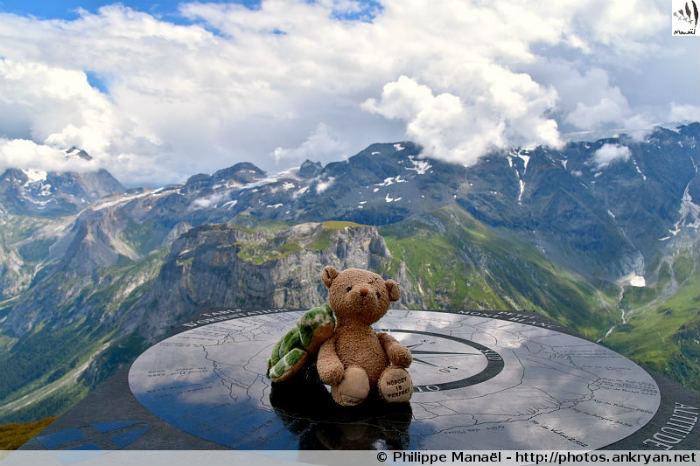 Duo solidaire, table d'orientation du Petit Mont Blanc (Savoie, France)