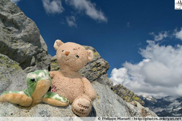 Duo solidaire au sommet de la Pointe de l'Observatoire (Savoie, France)