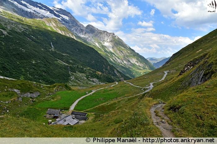 Au-dessus du refuge de la Glière, vallée de Champagny-le-haut (Vanoise, Savoie, France)