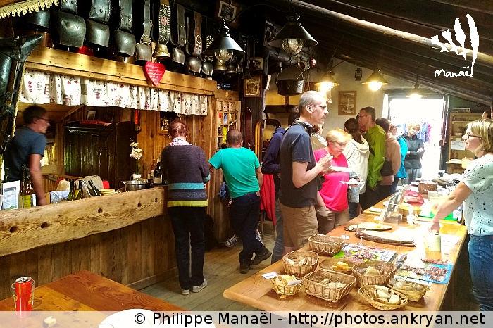 Marché des producteurs locaux, Auberge de Bellecombe (Vanoise, Savoie, France)