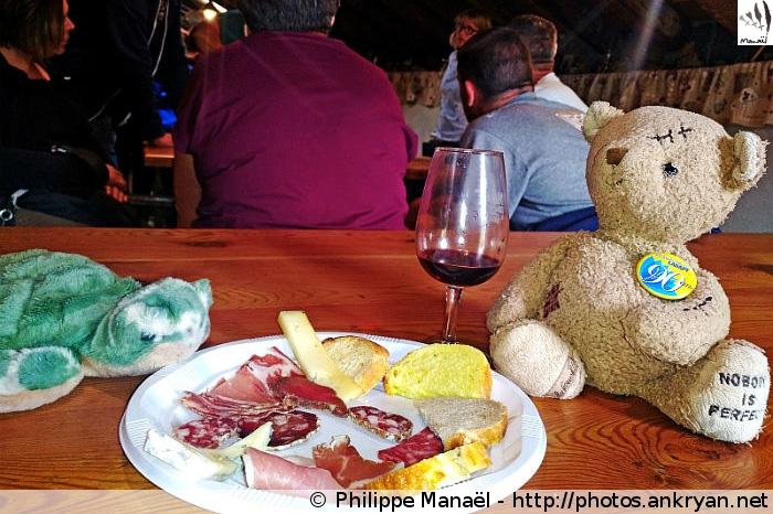 Duo Solidaire déjeune à l'auberge de Bellecombe (Vanoise, Savoie, France)