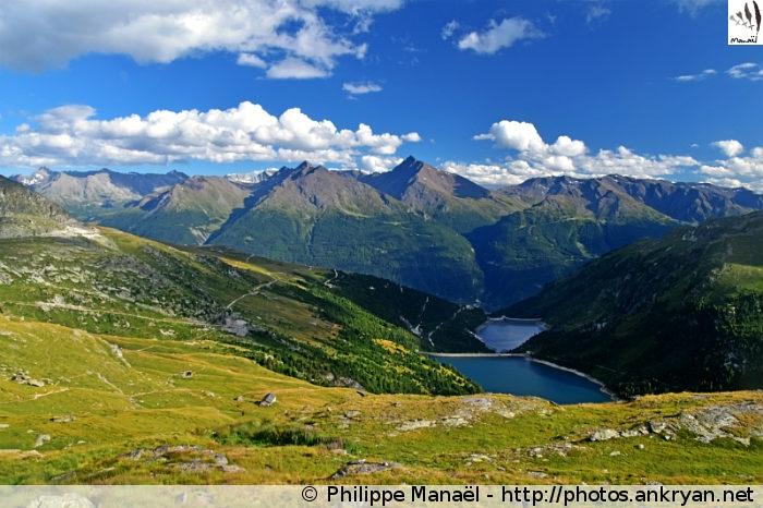 Refuge du Lac Blanc - Barrages d'Aussois - Refuge de la Dent Parrachée (2520 m) (trekking Traversée de la Vanoise). France, Rhône-Alpes, Savoie
