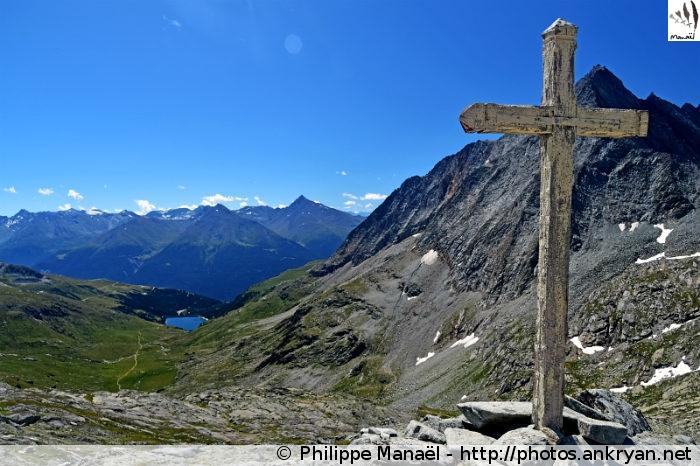 Croix blanche, col d'Aussois (Vanoise, Savoie, France)