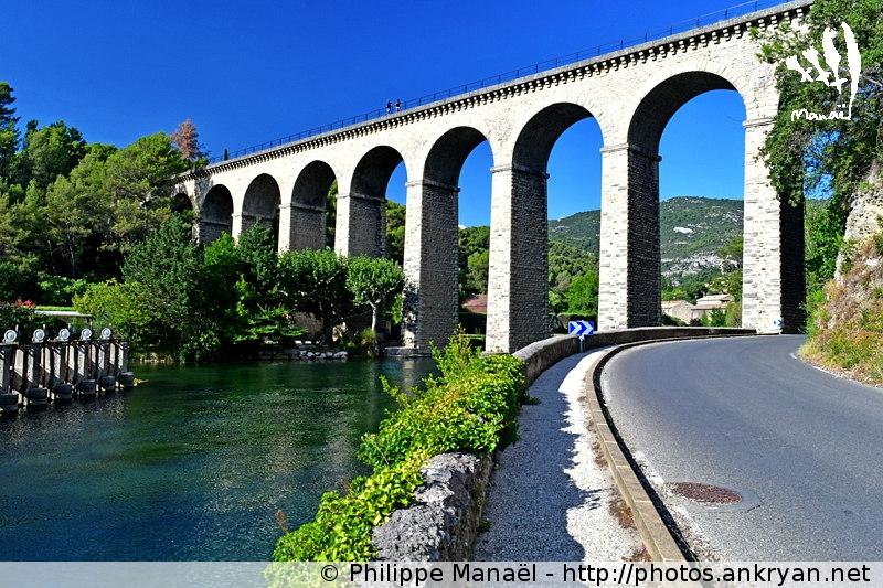 Pont-Aqueduc de Galas, route de Fontaine-de-Vaucluse (Provence, Vaucluse, France)
