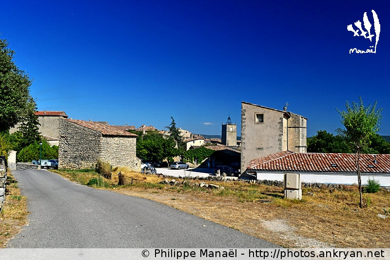 Village de Viens dans le Luberon (Provence, Vaucluse, France)