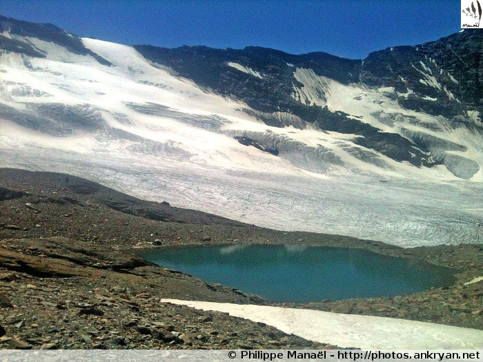 Lac du Glacier de Gliairetta (Vallée d'Aoste, Italie)